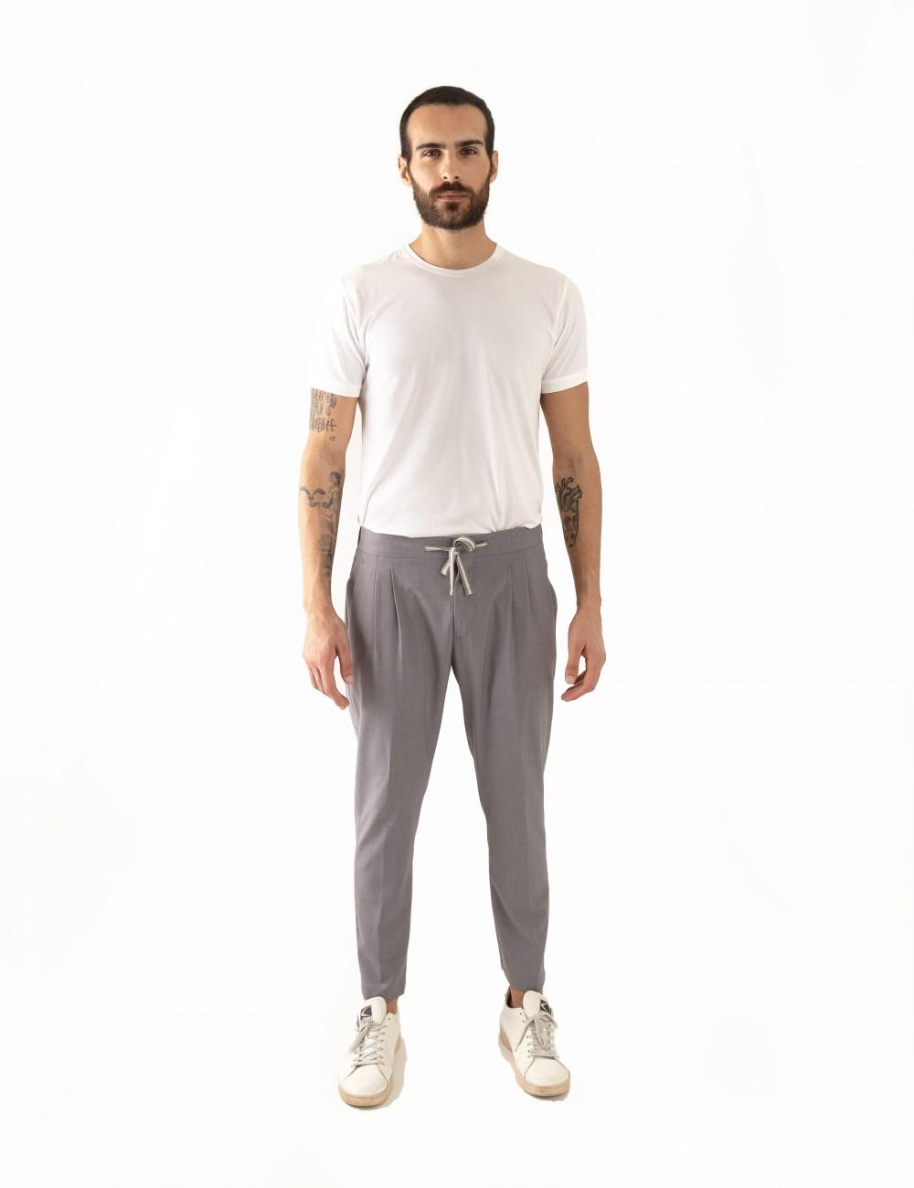 Pantaloni Ali mod.Partenope n.25 grigio indossato frontale