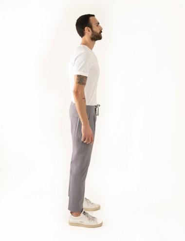 Pantaloni Ali mod.Partenope n.25 grigio  con doppia pinces indossato laterale