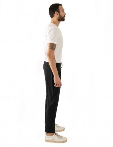 Pantaloni Ali mod.Partenope n.25 nero  con doppia pinces indossato laterale
