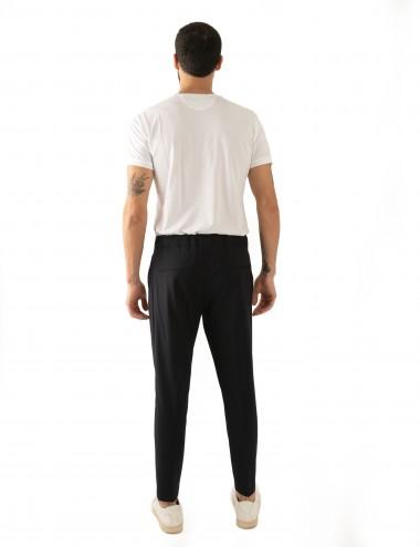 Pantaloni Ali mod.Partenope n.25 nero  con doppia pinces indossato retro