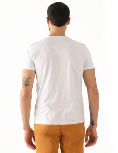 "T-shirt ""CARL"" bianca stampa Cannes in mussola di cotone indossata dettaglio retro"