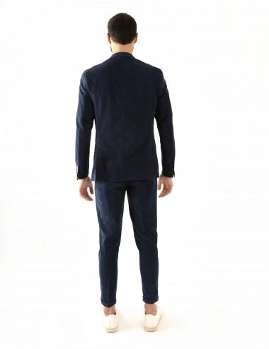 """Giacca monopetto blu scuro VAB mod. """"Nisida"""" in cotone ultra-light indossata retro"""