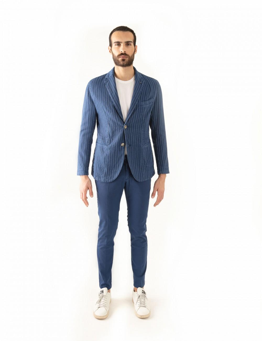 """Giacca Monopetto PT mod.  """"Nisida"""" blu in cotone/lino stretch indossato frontale"""