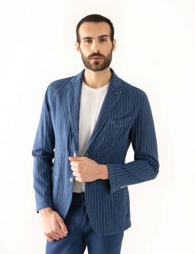 """Giacca Monopetto PT mod.  """"Nisida"""" blu in cotone/lino stretch indossato dettaglio sbottonata"""