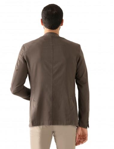 """Giacca Monopetto WV mod. """"Nisida"""" marrone in lana soft-fresh indossato  dettaglio retro"""